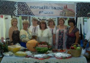Борщівський район представляють господині із села Циганів.