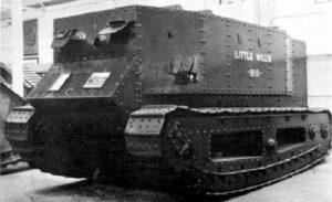 Перший в світі танк «Little Willie» (Малюк Віллі). Серпень 1915 рік.