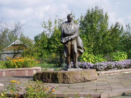 Пам'ятник Степанові Бандері в селі Старий Угринів