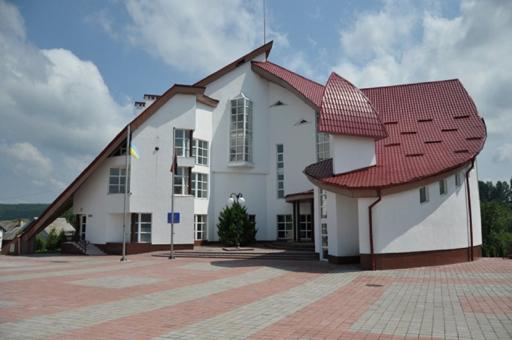 Історико-меморіальний музей Степана Бандери в селі Старий Угринів