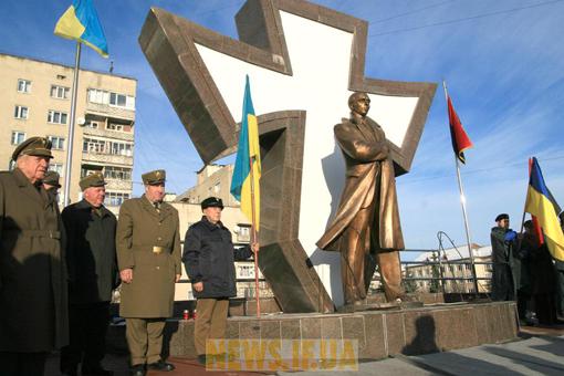 Пам'ятник Степанові Бандері в Івано-Франківську