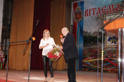 Вітає болгарська співачка Наталі Ангелова