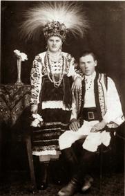 Буковинський обрядовий вінок з ковилою. Початок ХХ століття